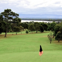 Coles Bay Accommodation - Freycinet Rentals - Golf Course