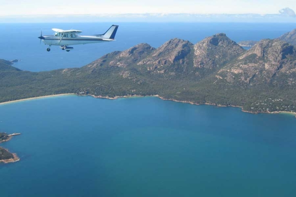 Coles Bay Holiday House - Freycinet Rentals - Freycinet Scenic Flights