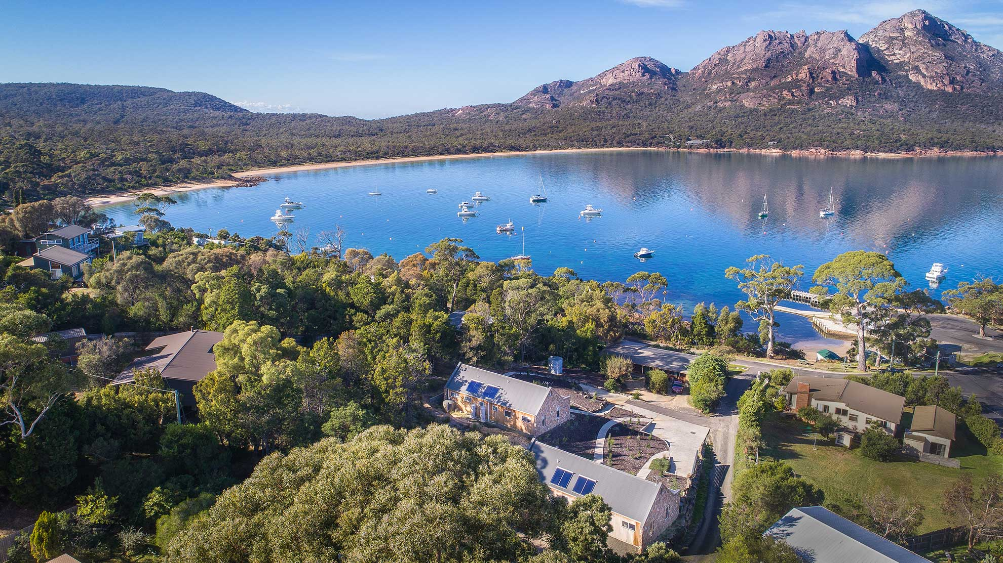 Coles Bay Accommodation - Freycinet Rentals - Hazards View