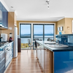 Coles Bay Holiday Accommodation - Freycinet Rentals - The Freycinet Dream Kitchen